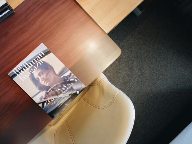 pullman_desk